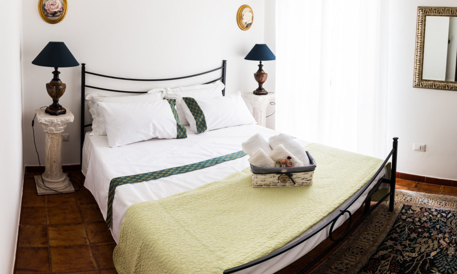 camera-matrimoniale-economy-one-villa-vittoria-rooms-sorso-sardegna