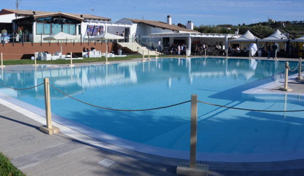 piscina-borgo-degli-ulivi-servizio-vittoria-rooms-sorso-sardegna-header